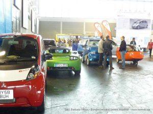Barbara Wilms: Elektroautos stehen zur Testfahrt bereit (flickr mit CClicense_4666552067_4808edcbf5_z)