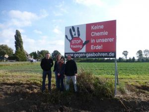 Münsterland-Oct2013-AntiFrackingSign-P1010220_kl