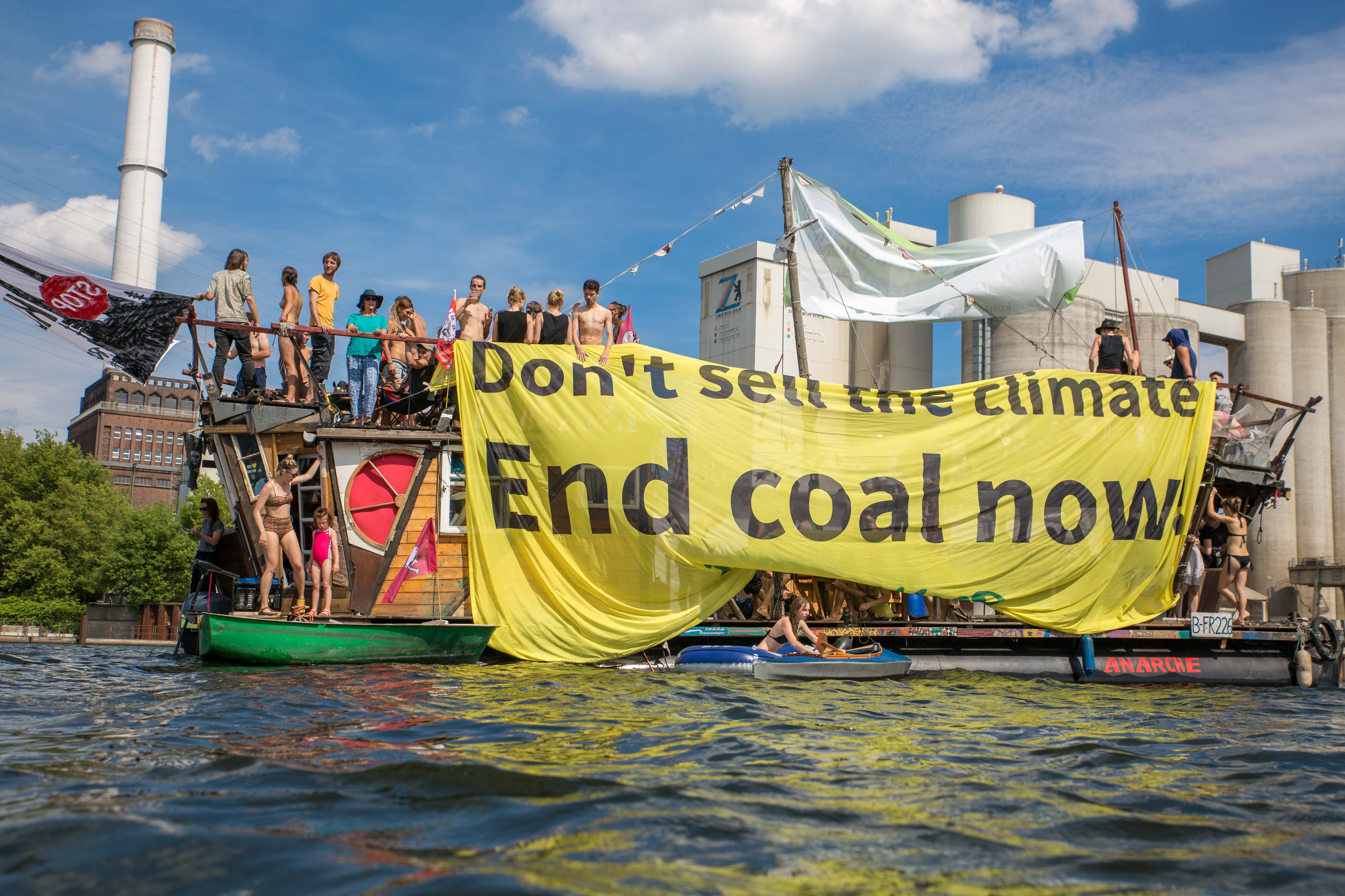 coal and boat - End coal now