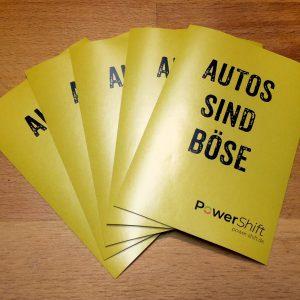 """""""Autos sind böse"""" – Sticker Berliner Straßen für alle!"""